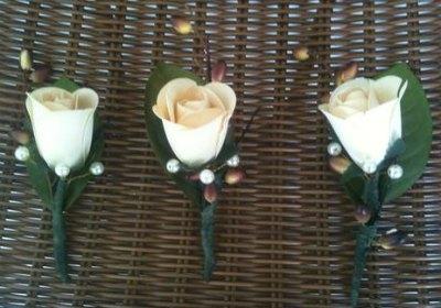 The Botanical Box – Rustic Wedding Decor – Handmade Roses Review