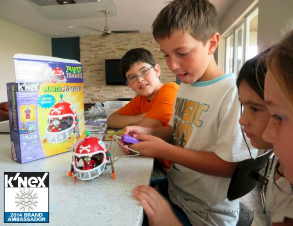 K'NEX Mechanical Football Building Set Review and Amazon Deal