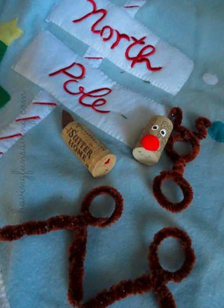 How to make a reindeer with wine corks