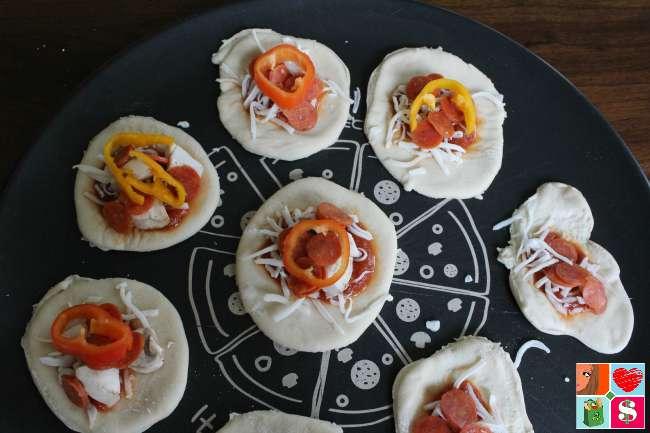 How to make Mini Pizza Pockets