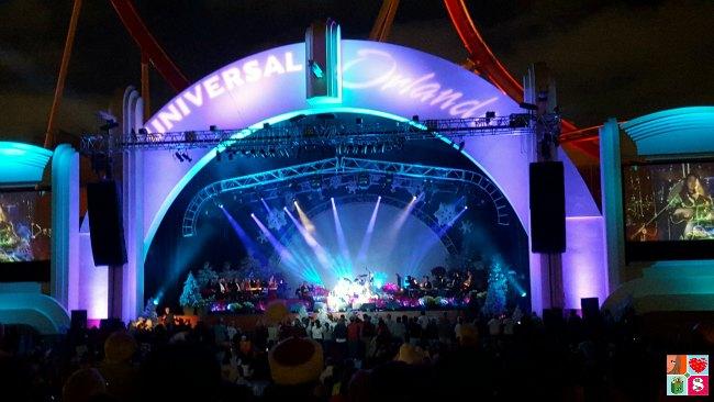 Universal Orlando Holidays - Live Music