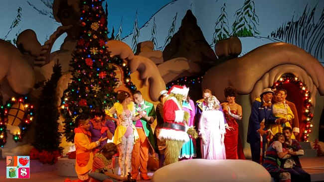 Holidays at Universal Orlando - Grinch Show