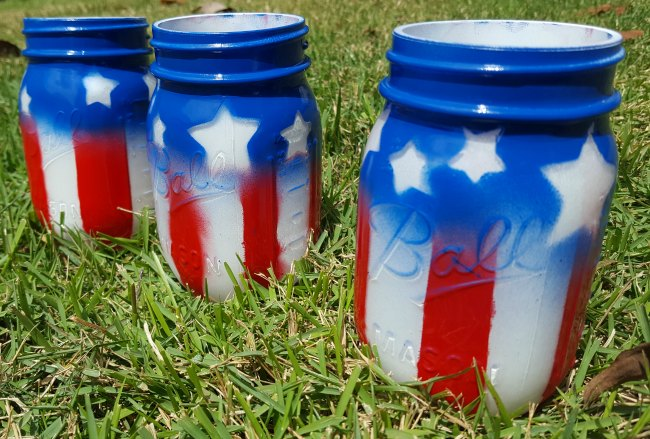 Easy American Flag Mason Jars