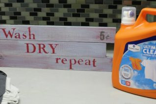 DIY Laundry Room Sign