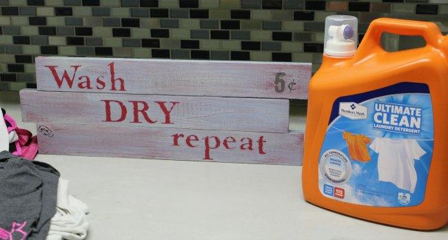 DIY Laundry Room Sign
