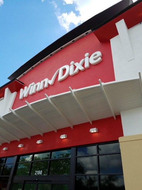 Winn-Dixie Hyde Park renovation