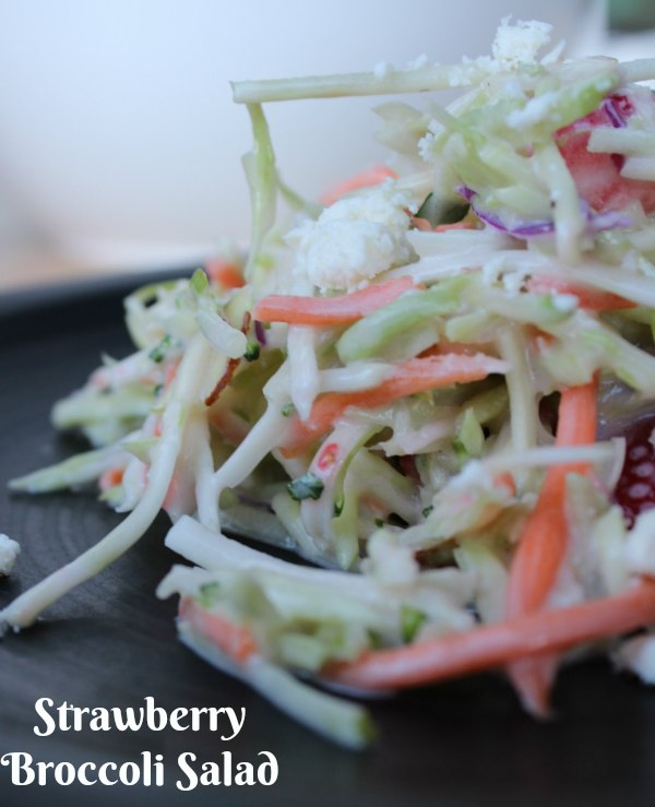 Healthy Strawberry Broccoli Salad