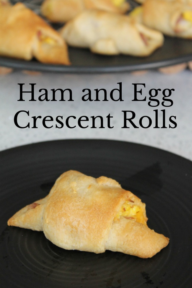 Ham and Egg Breakfast Crescent Rolls