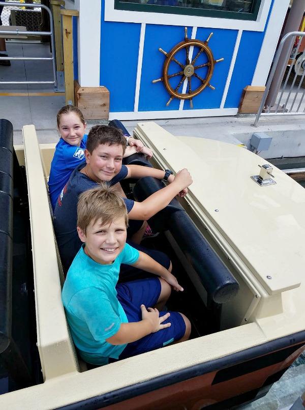 Roaring Springs Ride at Zoo Tampa details