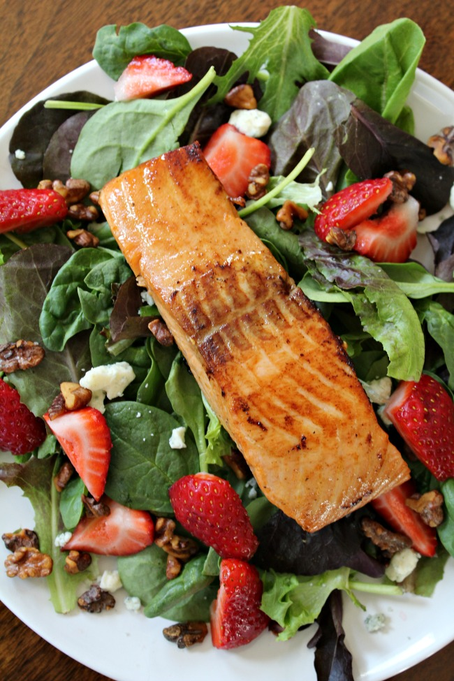 Salmon Strawberry Salad with roasted walnuts