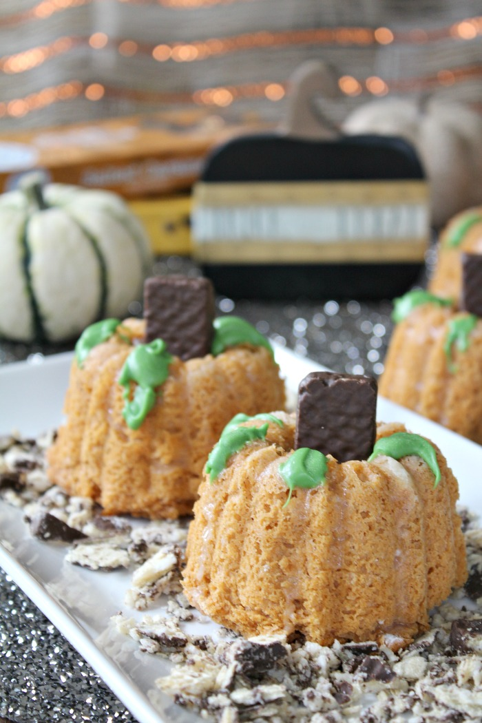 Best Mini Pumpkin Bundt Cakes