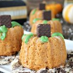 Light Mini Pumpkin Bundt Cakes
