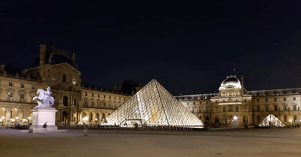 Top Free Things to Do in Paris Louvre at Night