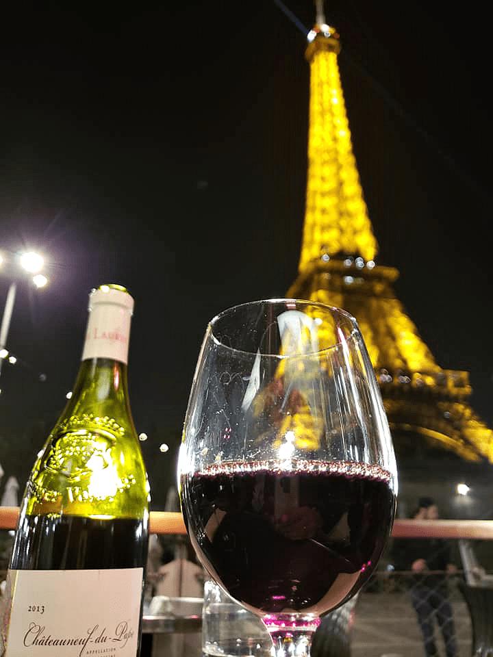 Eiffel Tower Nightly Light Show