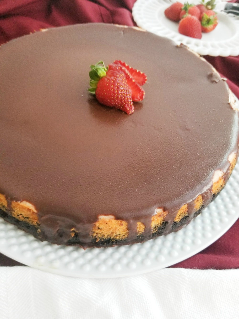 Best Strawberry Cheesecake with Chocolate Ganache
