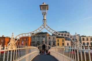 Free Things To Do In Dublin Ha'Penny Bridge