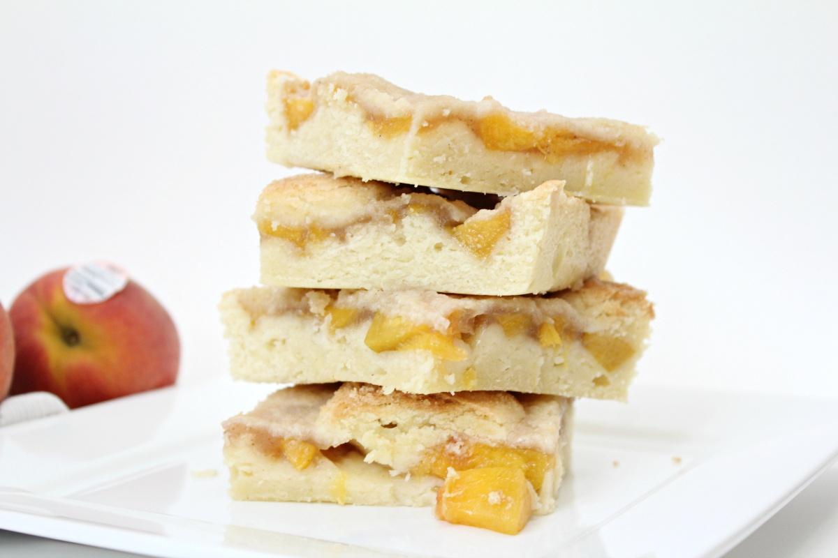 Tasty Sugar Cookie Peach Pie Bars