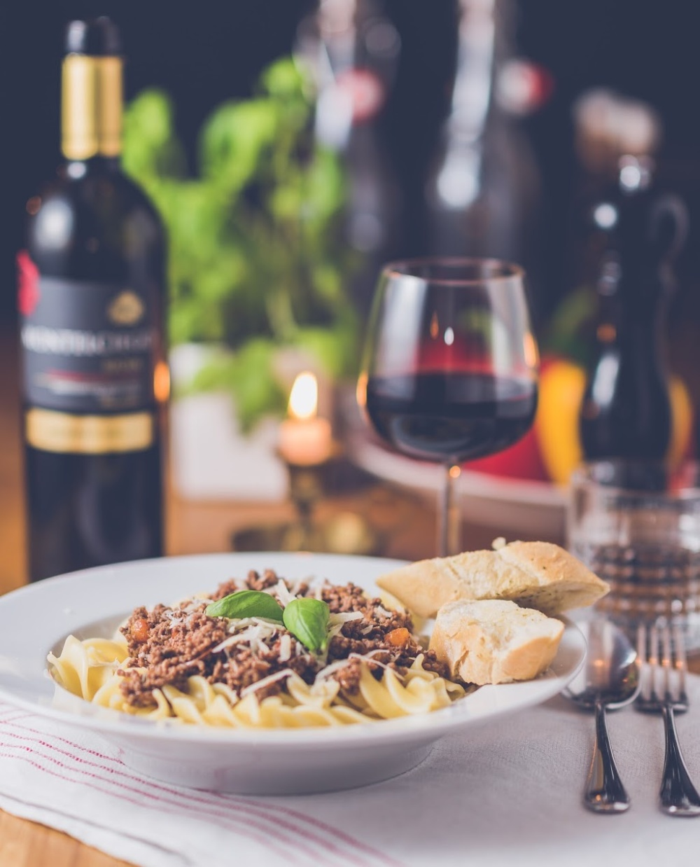 How to choose a wine to go with your meal