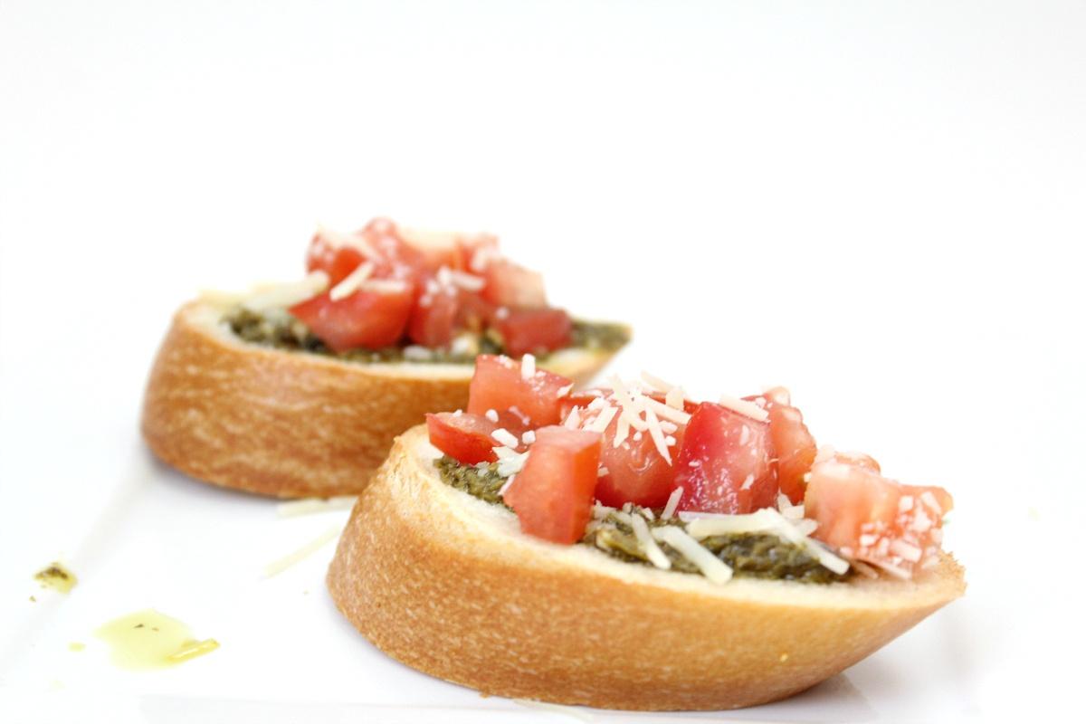 Best Homemade Pesto Bruschetta
