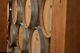 Role of Oak in Winemaking Barrels