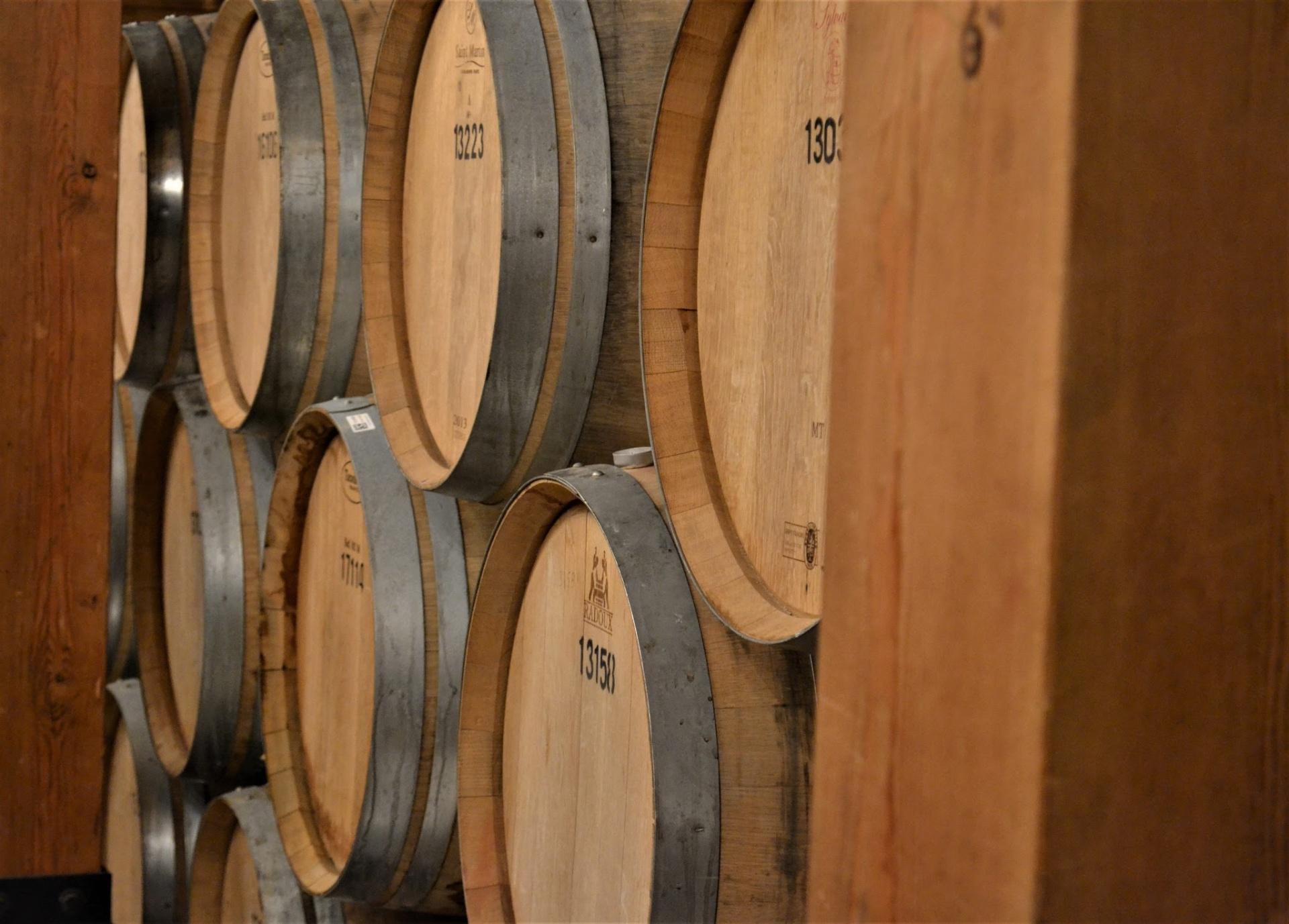 Role of Oak Barrels in Winemaking
