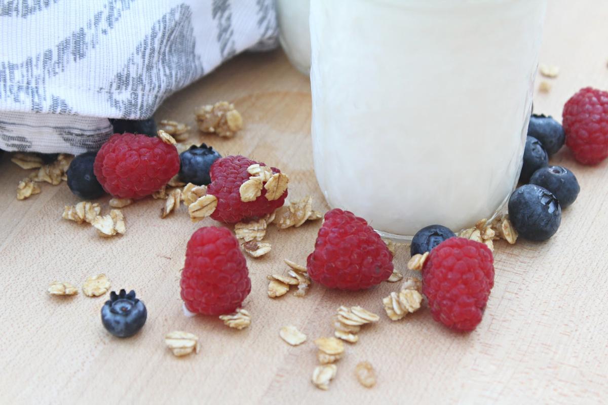 Easy Homemade Vanilla Yogurt