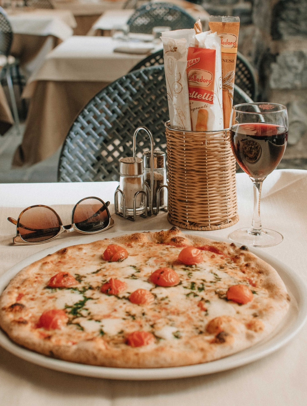 What wines pair with pizza