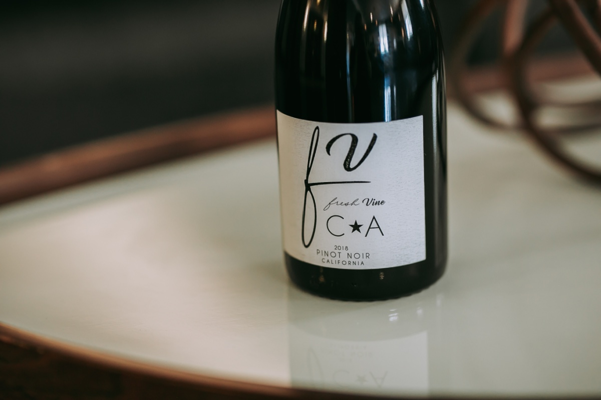 What does Pinot Noir taste like
