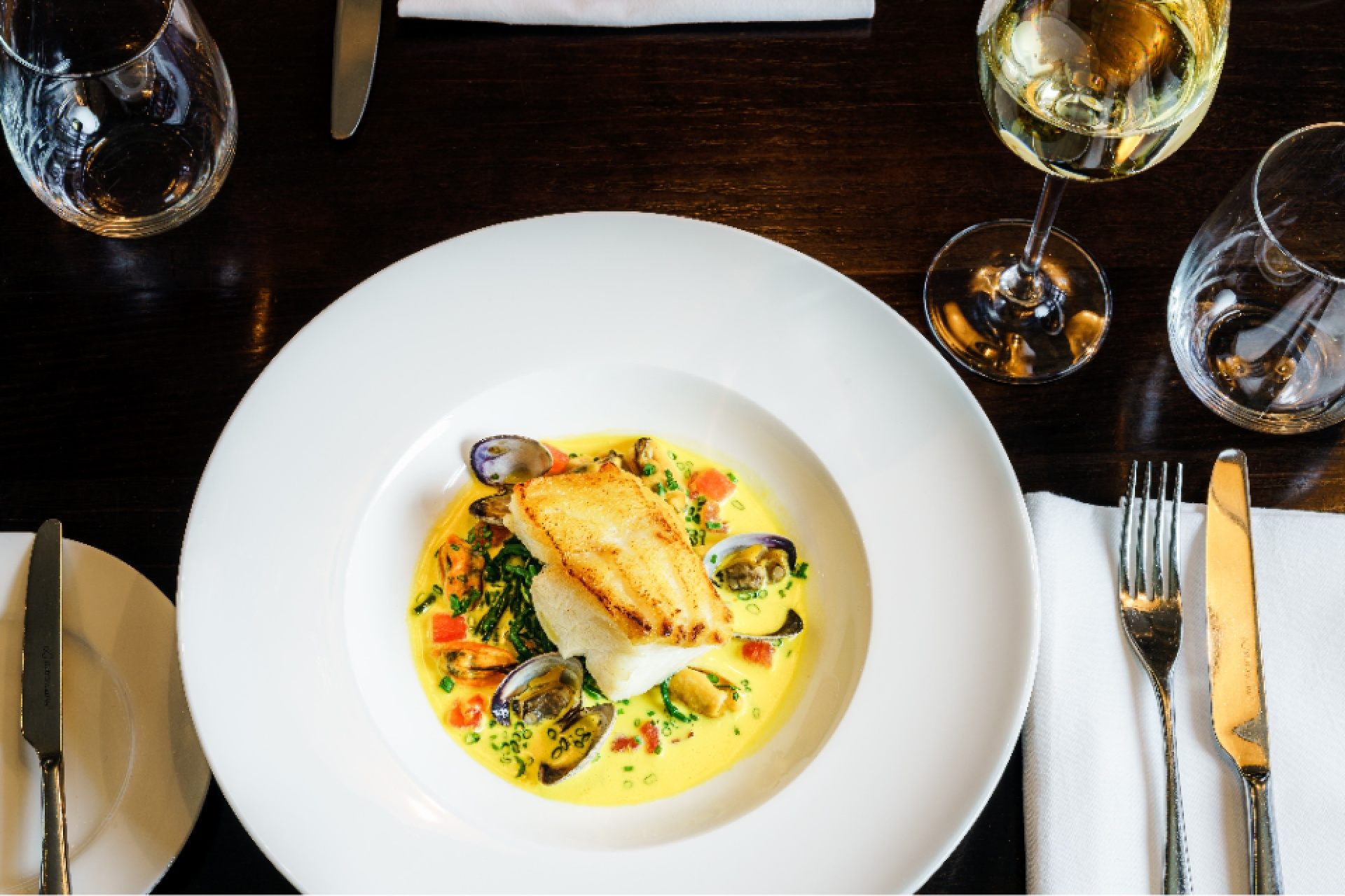 What wines pair with seafood and fish