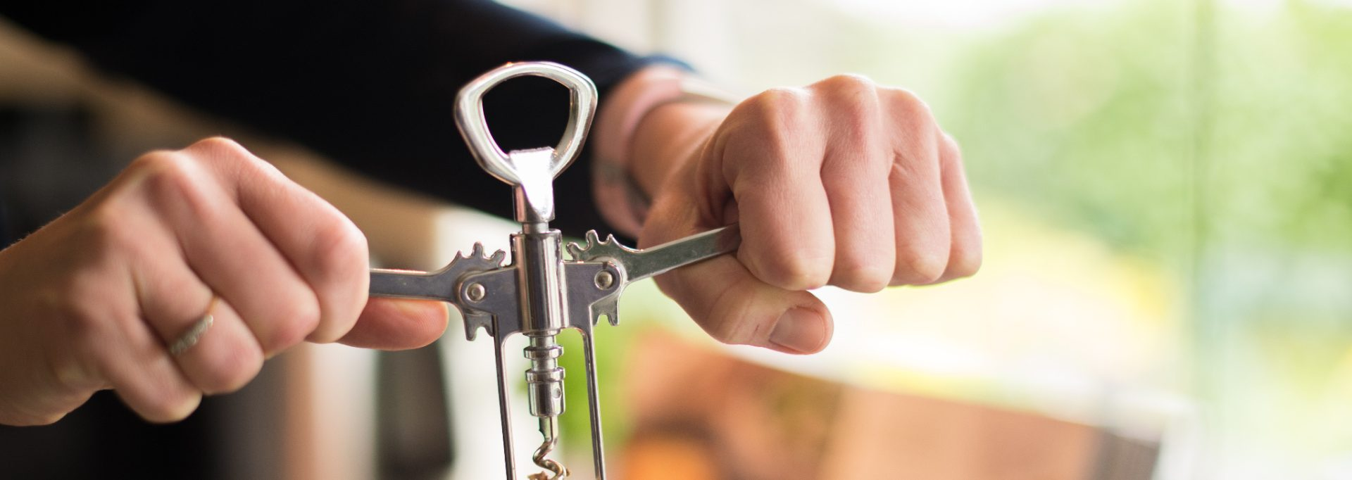 How To Open A Bottle Of Wine With A Corkscrew