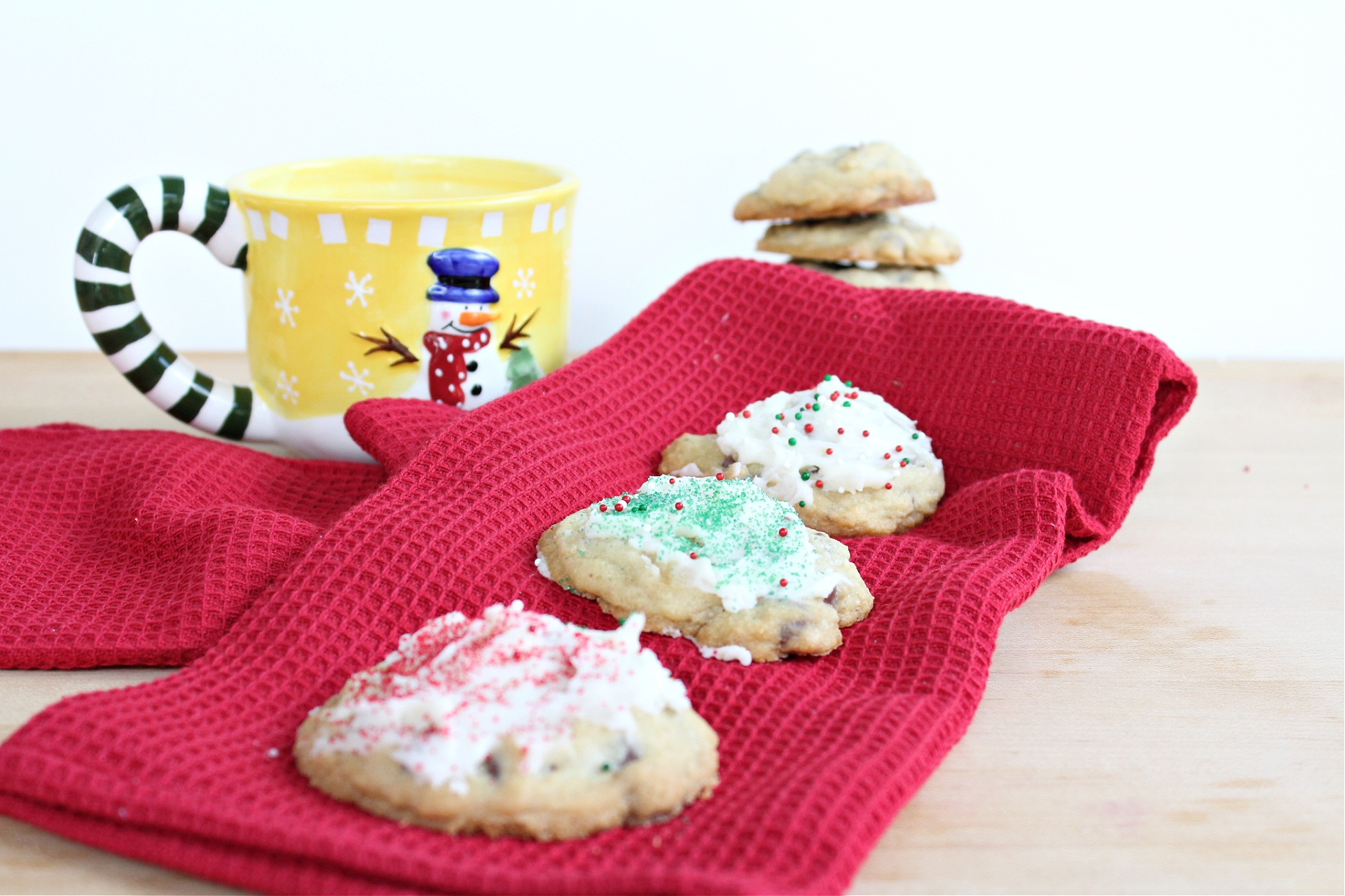 Easy Peppermint Chocolate Chip Cookies with Frosting
