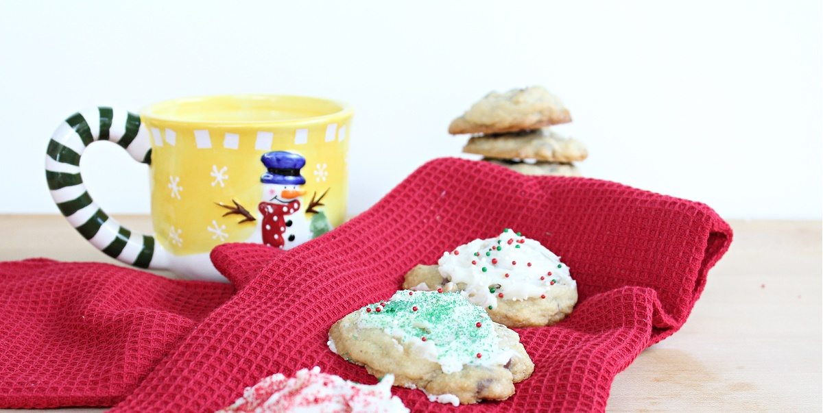 The Best Peppermint Chocolate Chip Cookies