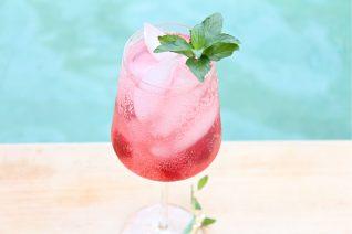 Sparkling Cherry Lemonade Cocktail