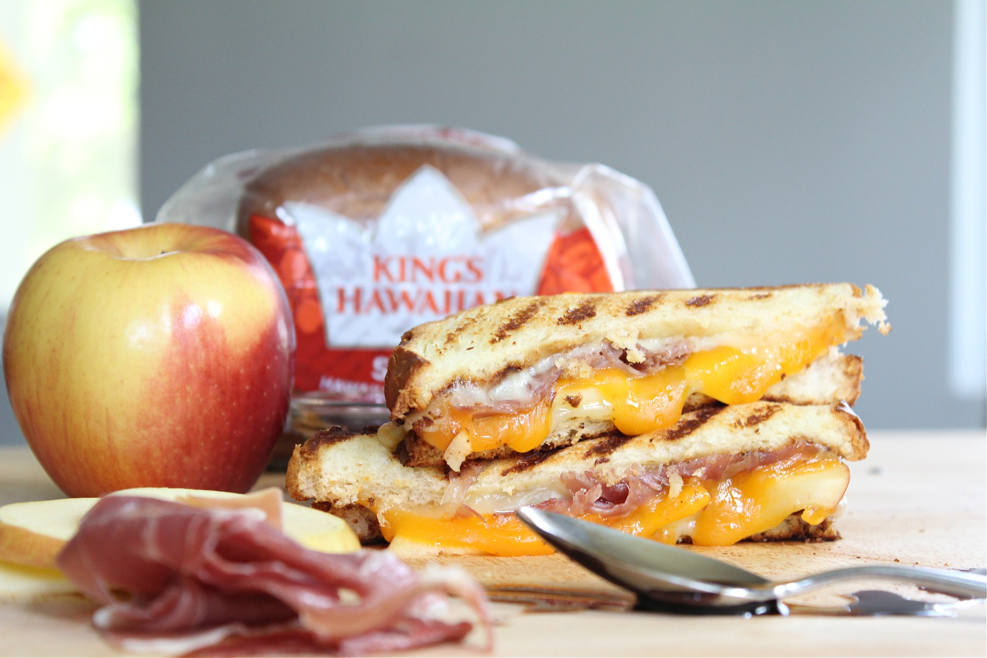Tasty Prosciutto and Apple Grilled Cheese