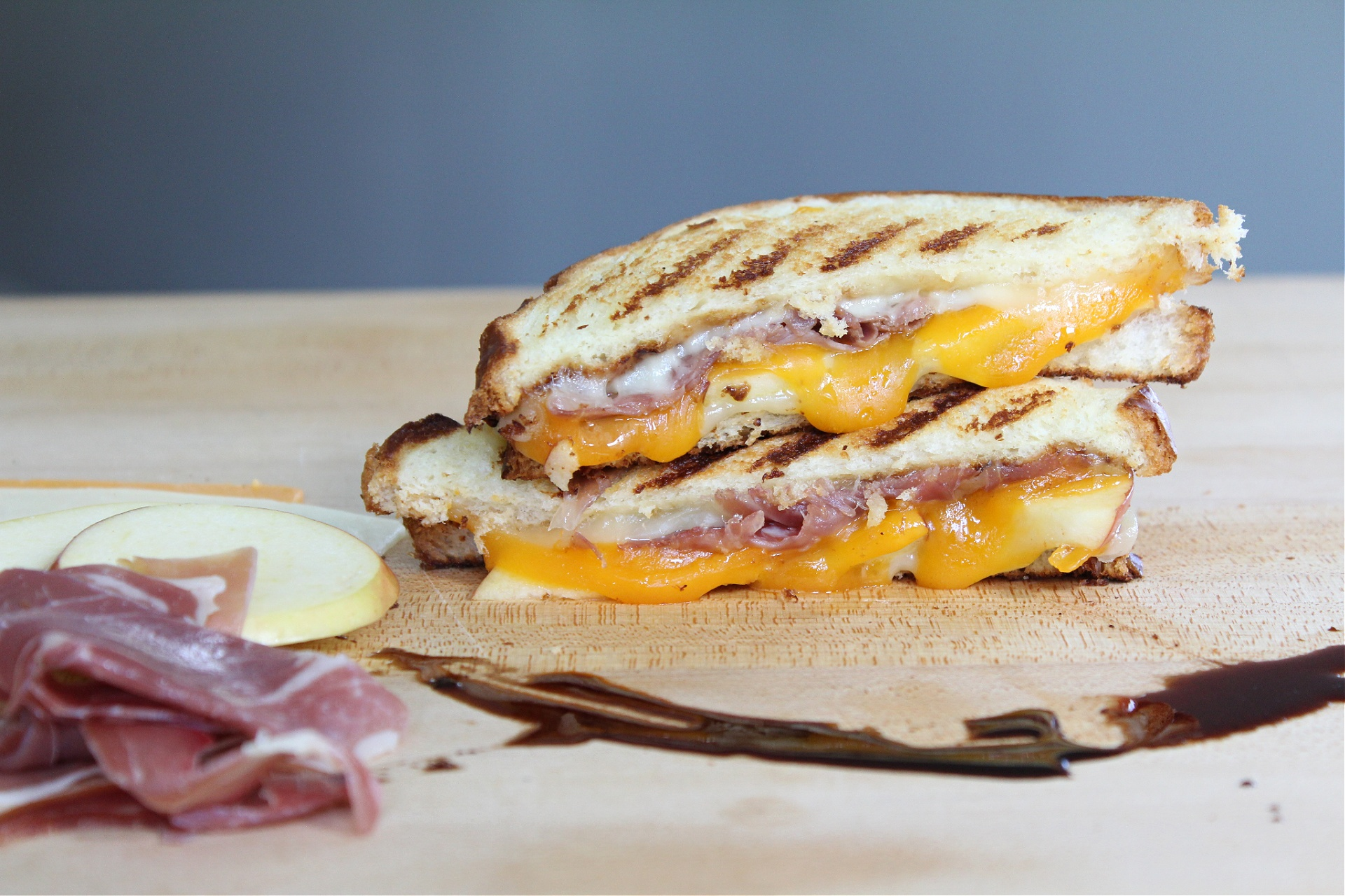 Easy Prosciutto and Apple Grilled Cheese Sandwich