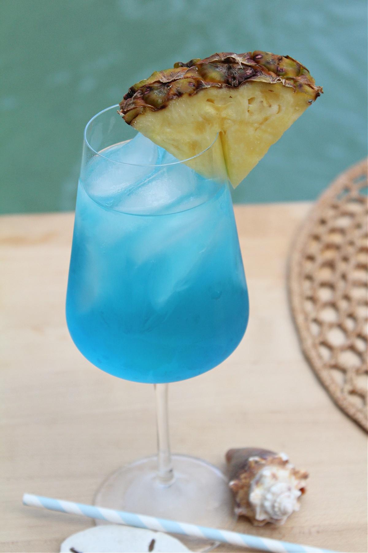 best blue wine vodka cocktail