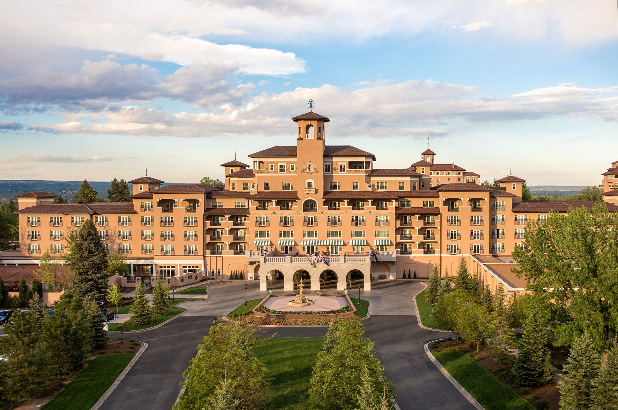 Why You Should Stay At The Broadmoor In Colorado Springs
