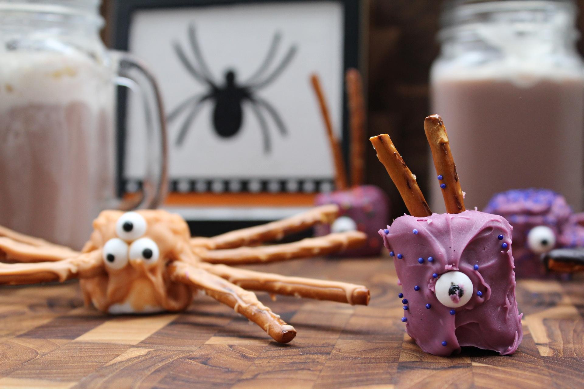 Best Halloween Marshmallow Spiders with pretzel legs