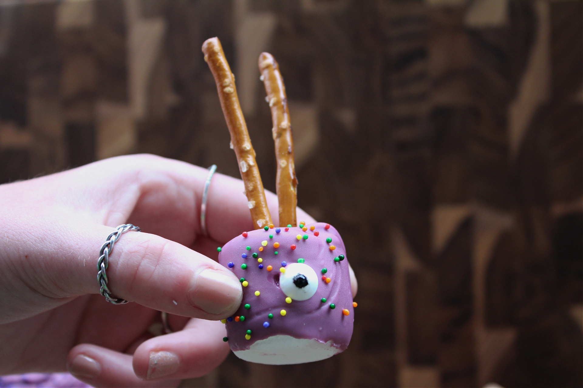 Chocolate Spiders made with marshmallows and pretzels
